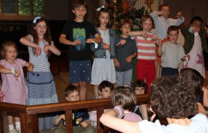 Children singing 2